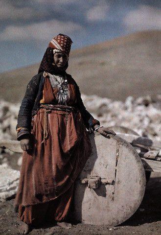 An Anatolian Turkmen lady from Pehlivanlı tribe, Haymana Plateau, Ankara, Central Turkey1909.