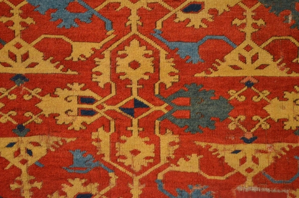 The close-up structure of knots and the pile of the same carpet